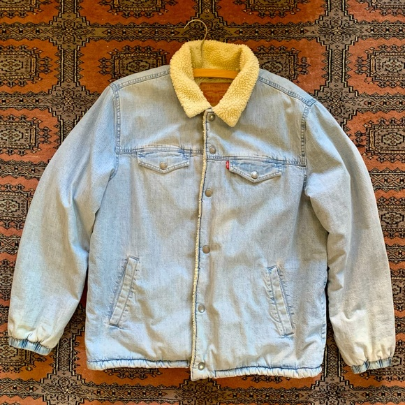 Levi's sherpa lined light wash denim jacket